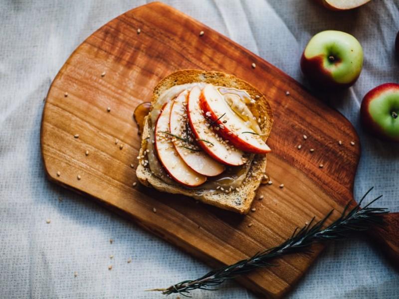 Γνωριμίες με μήλο